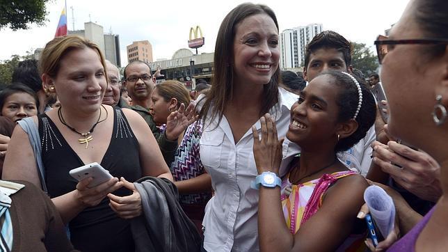 La oposición venezolana protesta contra la injerencia de la dictadura cubana