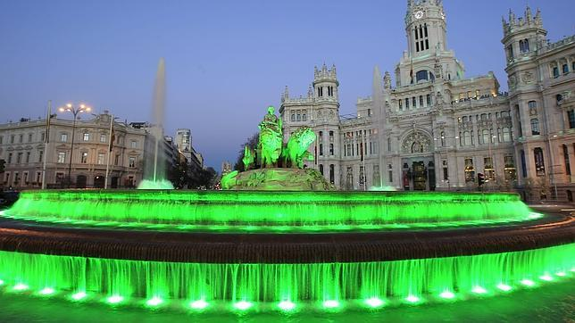 La Cibeles se tiñe de verde por San Patricio