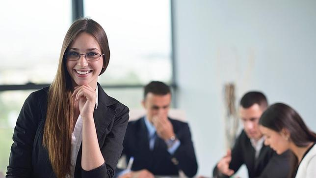 Las mujeres, mejores inversoras a largo plazo que los hombres