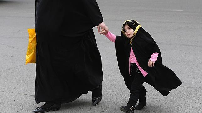 Irak pretende legalizar el matrimonio con niñas