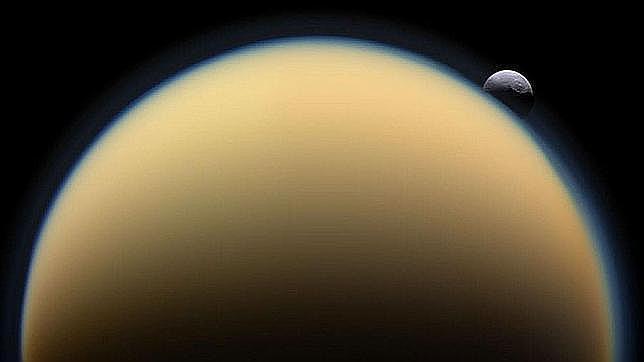 Detectan olas en los mares de Titán, las primeras fuera de la Tierra