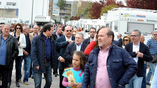 El alcalde y los militantes de Gent de l'Ollería se afilian de nuevo al PP