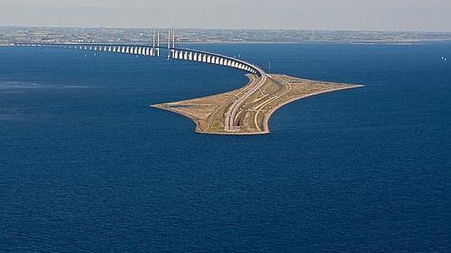 El puente de oresund la conexi n entre suecia y dinamarca for Como se llama el hotel que esta debajo del mar