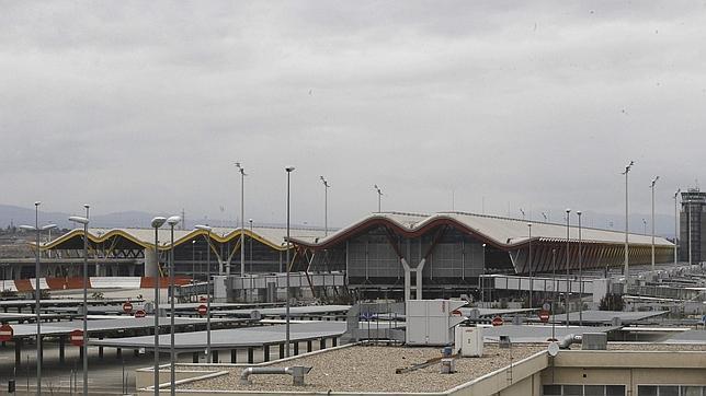 Barajas ya es el aeropuerto «Adolfo Suárez Madrid-Barajas» según el BOE