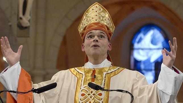 El Papa cesa al obispo derrochador alemán