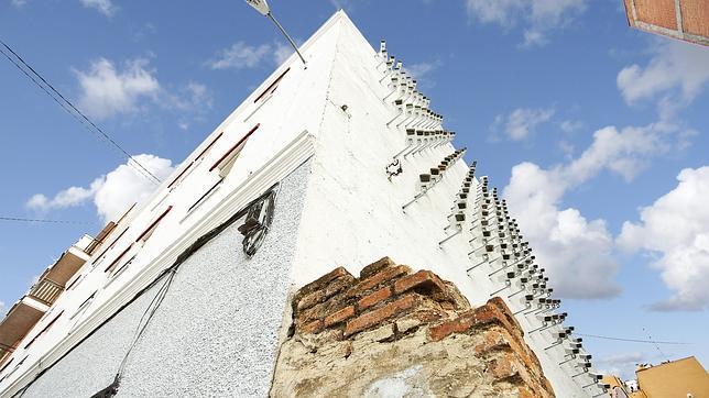 SPY ha realizado esta actuación artística sobre un muro en el distrito de Tetuán