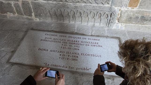 Solo el Papa, los cardenales y los obispos pueden recibir sepultura dentro del templo