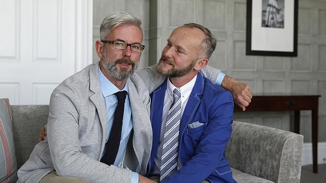 Reino Unido ratifica el matrimonio homosexual y celebra las primeras bodas gays