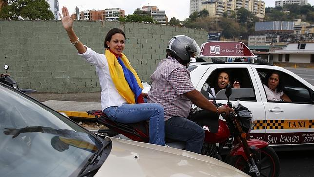 Impiden la reincorporación de María Corina al parlamento de Venezuela