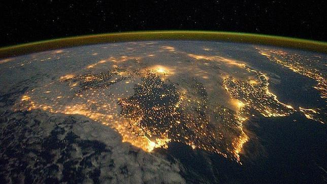 Imagen de archivo de las luces nocturnas de la Península Ibérica