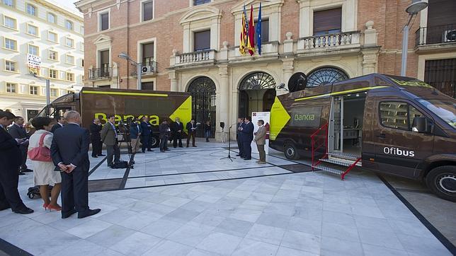 Bankia habilita oficinas ambulantes para los pueblos que for Oficinas de bankia en madrid
