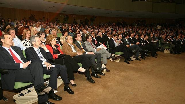 Bruselas quiere que los accionistas decidan sobre los sueldos de los directivos