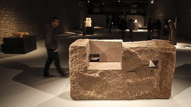 El amor por la tierra, protagonista de una exposición de Chillida en La Rioja