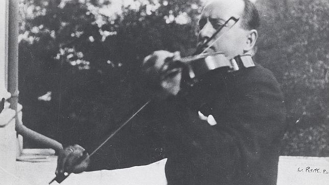 Subastan un violín Amati que perteneció a Mussolini