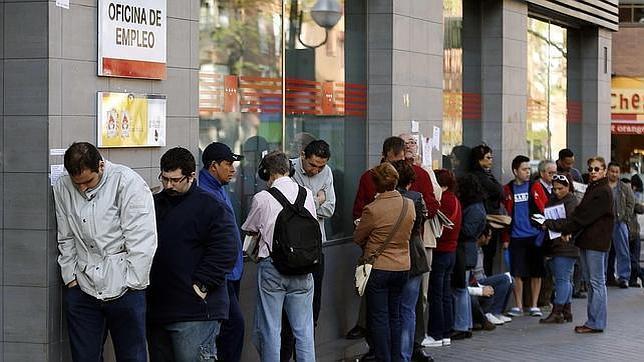 Cáritas atendió a más de 13.700 personas en su campaña contra el paro de 2013