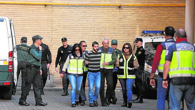 Carcaño juega con la Policía Carcano--644x362