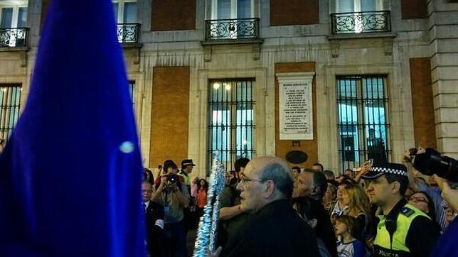 «Los Gitanos» homenajean a las víctimas del 11-M en su procesión por el centro de Madrid