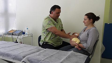 Cólico del lactante: consejos para hacer frente a una 'pesadilla' para los padres