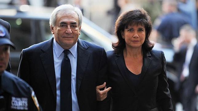 Anne Sinclair habla por primera vez de las infidelidades de Strauss-Kahn