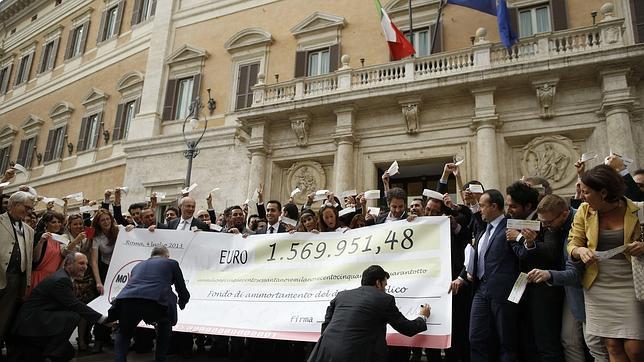 Parlamentos cerrados por vacaciones los eternos descansos for Sede parlamento italiano