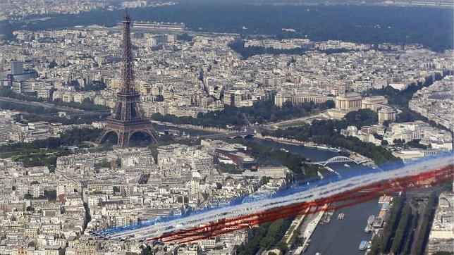 Violación en grupo a una turista por dos policías en una comisaría de París
