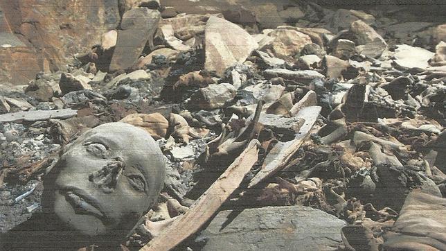 Descubren 50 momias del Imperio Nuevo faraónico en una gran tumba en Luxor