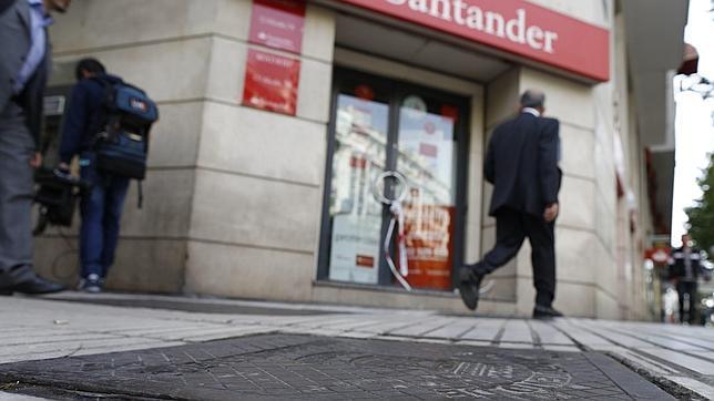 Atención a la letra pequeña de las cuentas nómina de los bancos