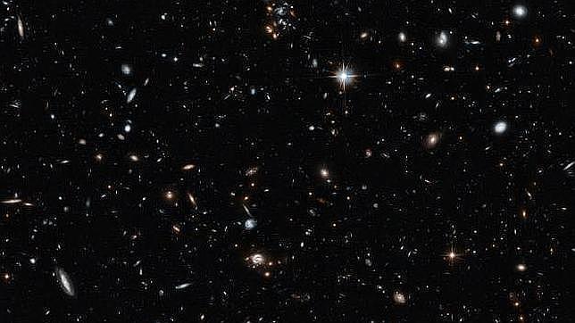 El Universo, desde hace 9.000 millones de años hasta el presente, en una sola imagen