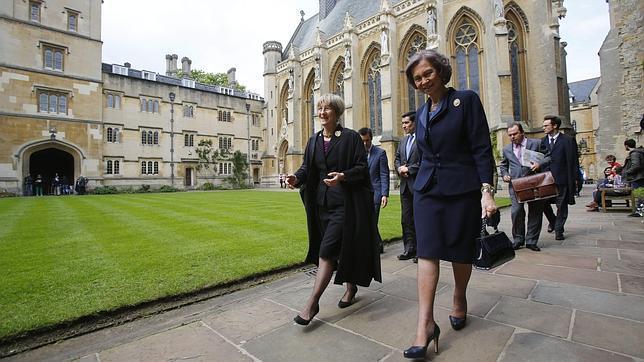 España quiere recuperar su voz apagada en Oxford