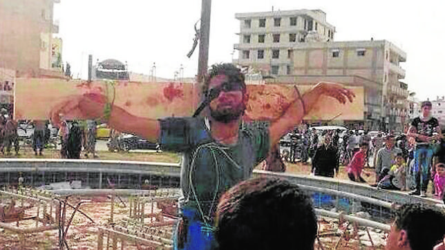 Al Qaida siembra el terror en Siria con crucifixiones públicas