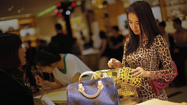 El turismo de lujo gasta en Madrid un 90% menos que en Londres o en París