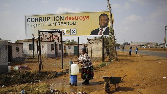 Elecciones en Sudáfrica: Bekkersdal, donde la democracia no llega