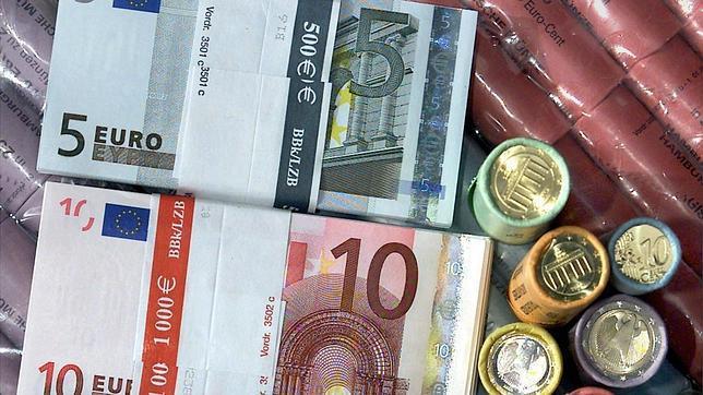 Los billetes usados contienen 26.000 bacterias perjudiciales para la salud