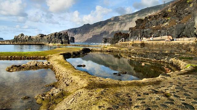 Hablemos de turismo diez caras de la misteriosa y salvaje for Hablemos de piscinas