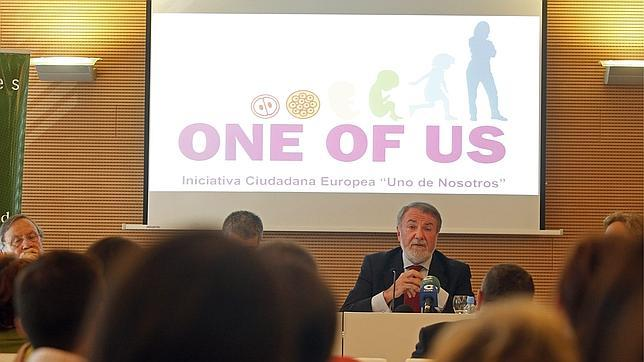Mayor Oreja, premiado por defender la libertad religiosa