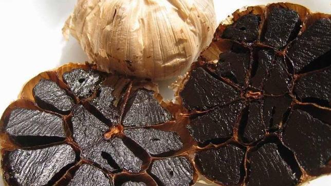 De la medicina tradicional asiática a los fogones tradicionales: así es el «ajo negro»