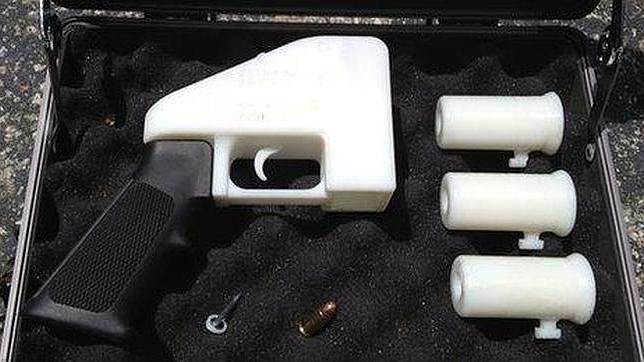 Detienen un hombre en Japón por llevar armas hechas con impresoras 3D