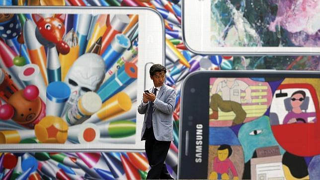 Samsung cambia a su responsable de diseño tras las críticas al Galaxy S5