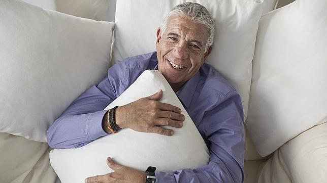 El doctor Estivill asegura que el 99% de las personas puede llegar a dormir mejor tras un tratamiento