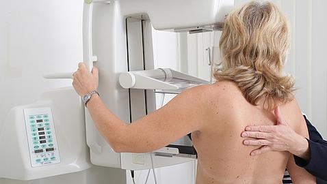 Un equipo español descubre una proteína que frena el cáncer de mama y su metástasis