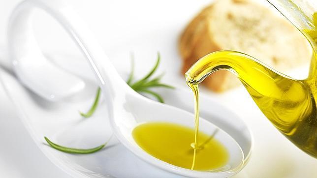 Aceite de oliva virgen es un componente indispensable de la dieta mediterránea