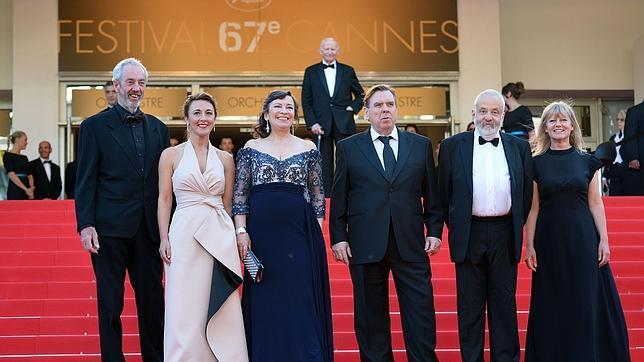 De izquierda a derecha, el equipo de «Mr. Turner»: Dick Pope, Dorothy Atkinson, Marion Bailey, Timothy Spall, Mike Leigh y Georgina Lowe