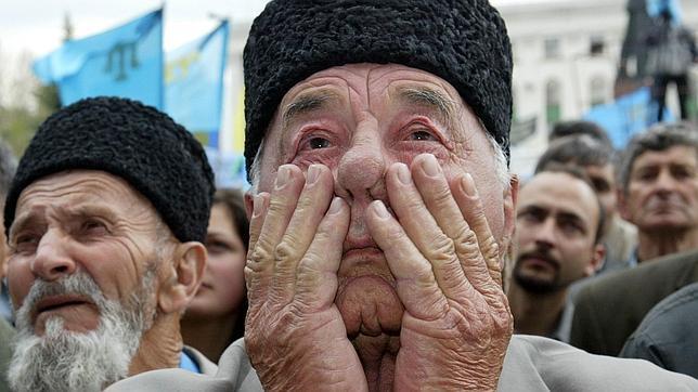 Los tártaros de Crimea conmemoran los 70 años de su deportación por Stalin