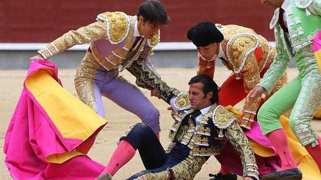 Asociaciones taurinas se unen contra los insultos de las redes sociales a los toreros heridos en Las Ventas