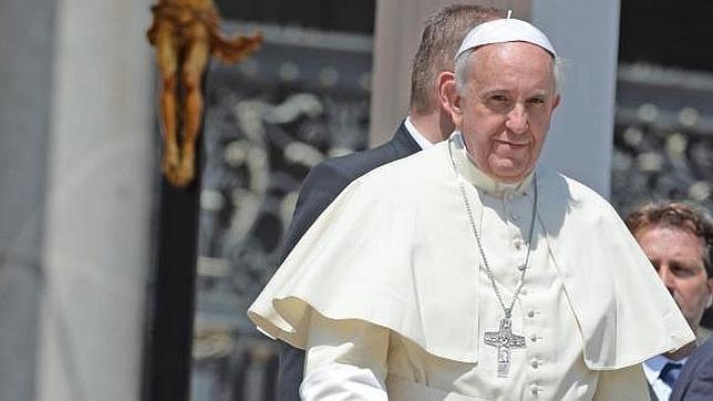 El Papa Francisco, enfadado por una lujosa comida en la azotea del Vaticano durante las canonizaciones