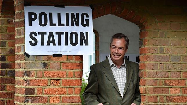El fuerte avance euroescéptico en Reino Unido desata el pánico al «terremoto UKIP»
