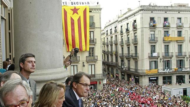 Así sería la futura «Constitución catalana»