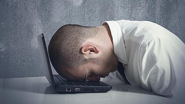 Los adictos al trabajo no tienen un mayor rendimiento laboral