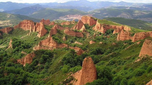 El paraje de Las Médulas opta a ser una de las siete maravillas naturales de España
