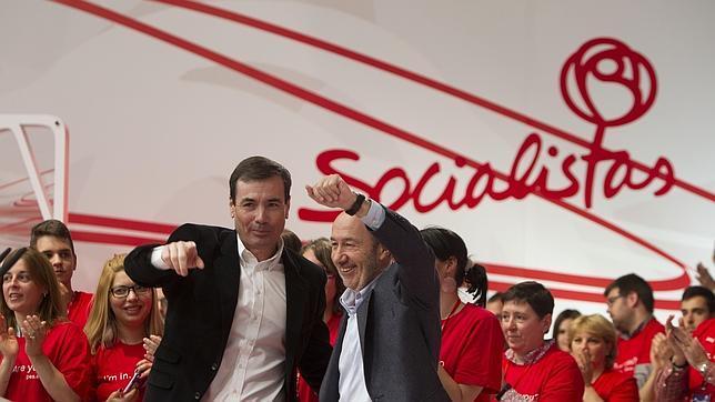 Los barones socialistas de nueve comunidades apoyan a Susana Díaz